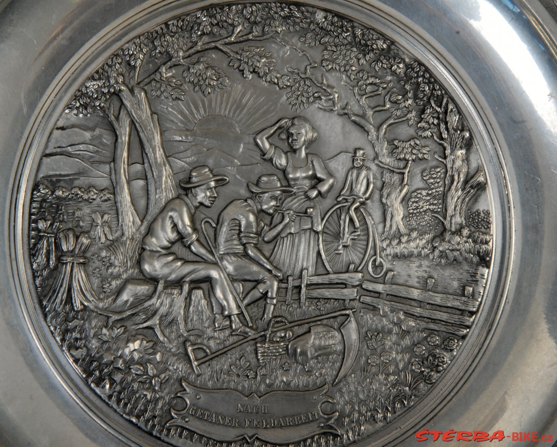 Decorative plate with high wheel bicycle collectors items collectors items collectors - Decoratieve platen ...