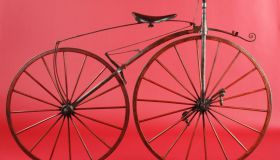 Anthoni, Paris, France, boneshaker – c.1870