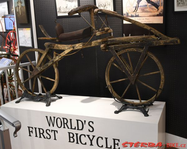 35/D. The Bicycle Museum of America - USA