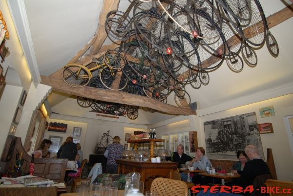 28. Penny – Farthing museum - England